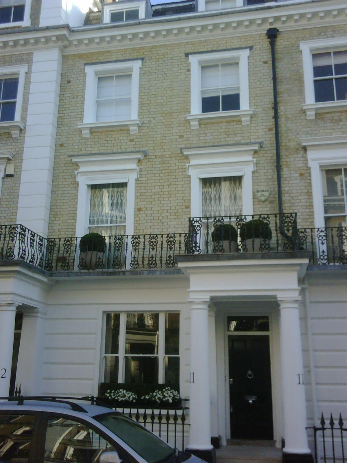 Brick Cleaning - White Suffolk /gaults - cleaned not pointed Neville St, SW7